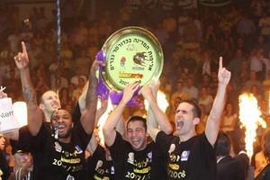 Хапоэль Холон чемпион Израиля по баскетболу. Фото Маарив